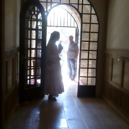 נזירה ממנזר השתקנים